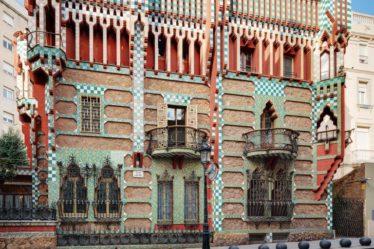 La Casa Vicens corona el barrio de Grácia en Barcelona