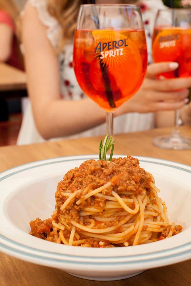 Comida italiana en la Terraza Aperol Spritz