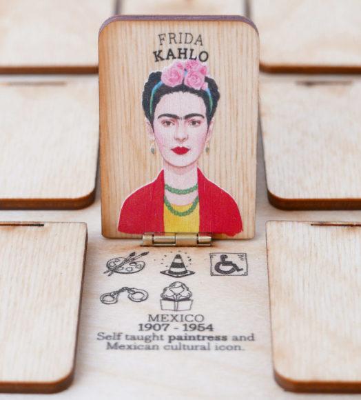 Whosshe juego con Frida Kahlo