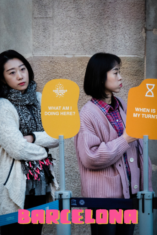 Postal de asiaticos en Barcelona