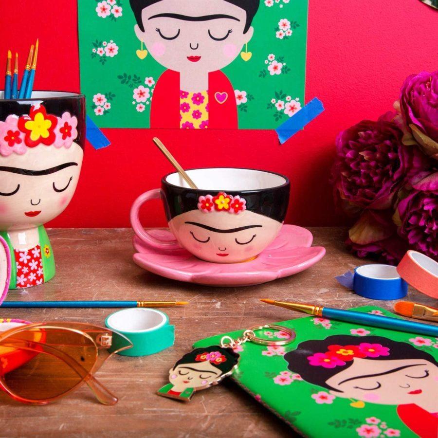 Taza bonita de Frida Kahlo para tomar café en la oficina