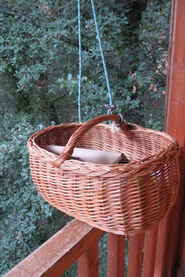 Desayuno en una casa en un árbol en Barcelona