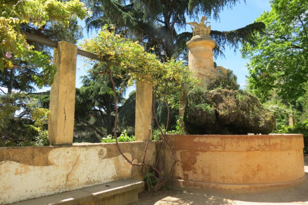Un rincón en el parque del laberinto de Horta